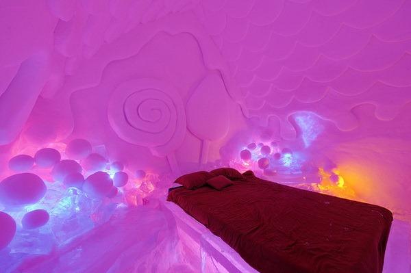 Hotel of Ice (2)